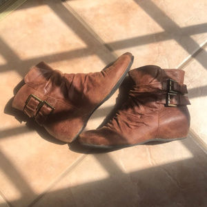 Bass Karmel Brown Ankle Boots Size 8M